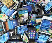 Haufen von Smartphones