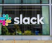 Slack-Logo an Headquater-Gebäude in San Fransisco